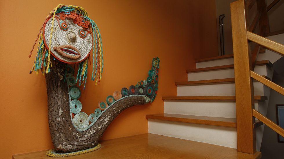 Otro personaje creado a partir de residuos. Fotografía: José Manuel Casal.