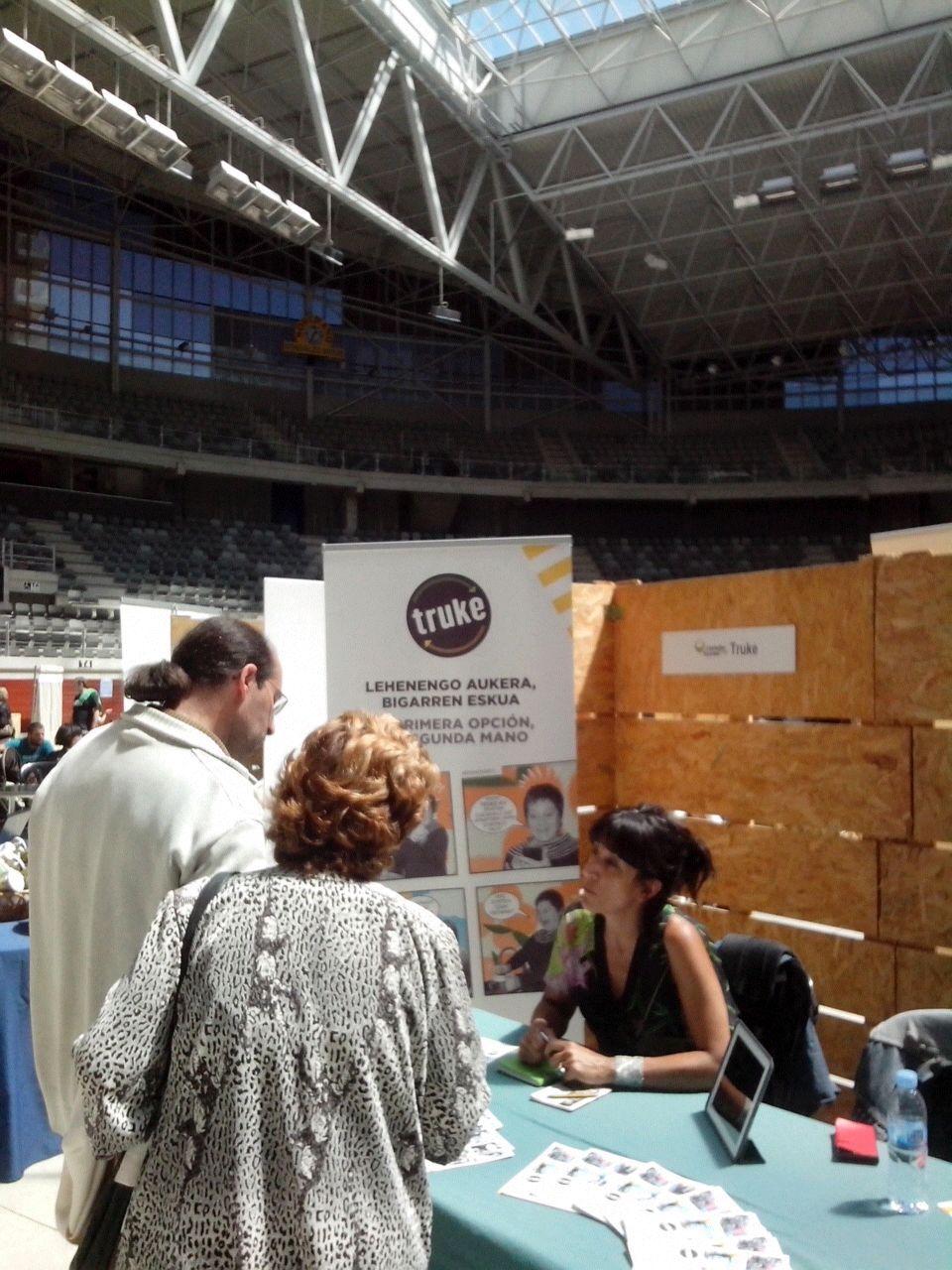 TRUKE, en la Feria de Economía Solidaria que organizó REAS en Vitoria-Gasteiz.